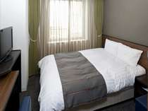 ◆ダブルルーム15平米:ベッドサイズ1400×1950