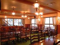 ・【レストランイメージ】明るく開放的なレストラン
