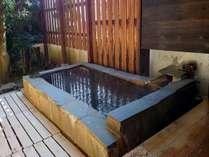 桐壺の客室にある部屋専用露天風呂