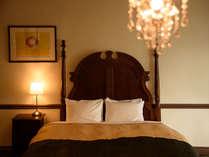 【ダブル】広さ:21平米シモンズ社製のベッドで心地良い眠りをお届けします