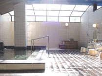 *【大浴場】アルカリ性単純温泉の「湯ノ谷温泉」を引いております