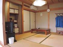 *【和洋室一例】和室6畳とツインのベッドを備えたお部屋