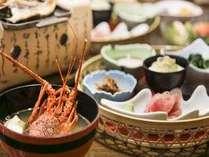 【満開懐石・朝食】たっぷりお出しを取った伊勢海老のお味噌汁が人気です。