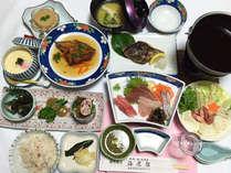 (夕食一例)季節毎の旬の魚をメインにした会席料理