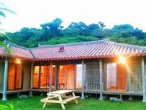 美ら丘テラスの頂部に位置する島袋邸は古民家風木造一軒家。