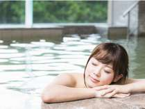 お肌にやさしいアルカリ性の温泉で身体が癒されます。