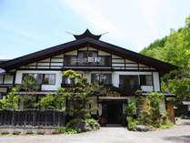秘境の温泉地、白骨温泉。笹屋は日本秘湯を守る会、源泉湯宿を守る会に登録されております。