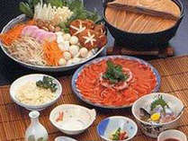 猪鍋がメインの当館自慢の鍋コース。猪鍋のほか、刺身(川魚又は鹿)川魚の炭火焼をご用意致します。