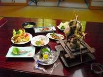 夏の味覚の代名詞、鮎。寿司や刺身、フライに塩焼き、さまざまなお料理で鮎をお楽しみください
