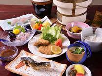 *お夕食一例(グレードアップ)/地元岐阜の幸を丹念に吟味した豪華会席をご賞味下さい。