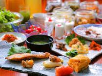 ◆朝食◆地元の食材を使い、一品一品心をこめてご用意しております