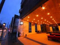 ◆外観◆人吉温泉の中心に佇み、どこか懐かしくあたたかい雰囲気を感じる町屋旅館