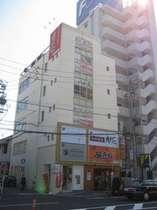 同じビル内には居酒屋、焼肉屋、ダイニングがあります。