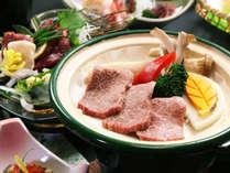 *お肉はやっぱり牛でしょ!柔らかい牛肉の陶板焼きです。