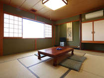 【和室10畳】  一回り広々としたお部屋です。