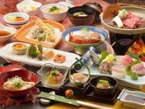 ご夕食の一例(飛騨牛の朴葉焼、金目鯛煮付など)
