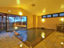 【女性専用大浴場】明るく広々とした大浴場にはサウナ、露天を併設