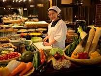 【のれそれ食堂】バイキングレストンラン。古民家風の台所でかっちゃが「よぐきたねぇ~」とお出迎え