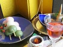 春のお花見だんごと桜の食前酒(一例)