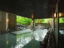 【伊達の湯露天風呂】寝湯や足湯を併設しております。