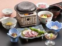 昼食:竹コース(メインディッシュ:もち豚の石焼)