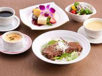 洋食ステーキ料理