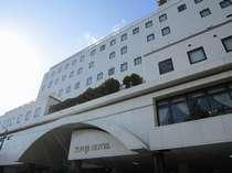 【外観】朝の冨士ホテル