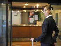 【ホテルエントランス】和歌山市駅徒歩3分!お荷物のおずかりも可能です。