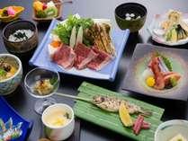 和牛と松茸の極上すき焼★秋の味覚をご堪能ください。