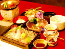 *【夕食(一例)】目にも美味しい料理の数々