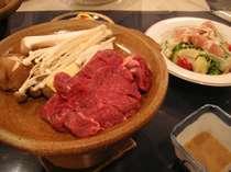 ■リバティハウスの定番&人気料理■牛肉の陶板焼き
