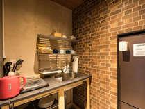 ・共用キッチン完備、ご自由にご利用ください