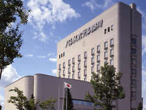 当ホテルは、日本人の心に深く宿る「和」の心を咲かせたシティホテルです。