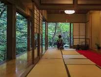 庭園茶室から四季を愛で茶を愉しむ(お抹茶サービス/チェックイン~18:00まで)