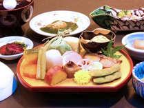 【会席一例】家庭では味わえない料理人の技が光るひと手間加えた料理