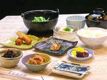 【ご朝食】和定食を会場食にてご用意いたします。