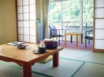 日本の昔ながらの風景と四季様々な景観を存分にご堪能ください。