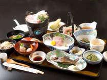 *(夕食)お料理一例。旬の食材をふんだんに使用したお料理