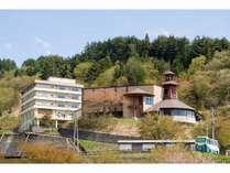 奥会津の田園風景を一望できます。