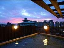 屋上露天風呂「大空海」星空を楽しみながらご入浴頂けます。