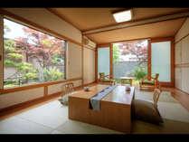 【花かざり】フローリングに琉球畳。和と洋が調和した、かわいらしい彩り。