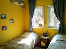 英国のB&Bをお手本にした各室違った雰囲気の客室。TVの無い日常を忘れる休日を。