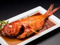 下田に来たら絶対に金目鯛!煮付けでご用意いたします。