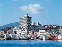 【外観】気仙沼港から徒歩5分。高台に建つホテルです