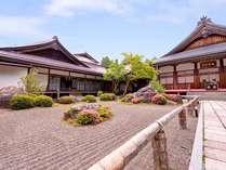 *四季を通じて美しい山里『高野山』に佇む当館。世界文化遺産の旅を心をこめておもてなし致します。