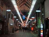宮崎の夜の繁華街(1番街)