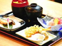 *ご夕食(一例)1F≪南の居酒屋・平家亭≫でご提供しています。
