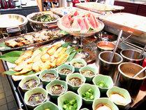 *【朝食バイキング】粟国の塩、黒糖、天然ダシ、生醤油、ご飯の5つにこだわった種類豊富な沖縄バイキング!