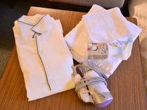 *客室アメニティ/パジャマ、バスタオル等取り揃えています。