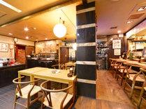 *沖縄料理「平家亭」/ホテル1階にあるレストラン。カウンター席もあり、おひとりでも気兼ねなく入れます。
